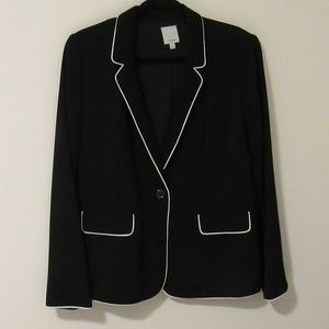 Black lined Halogen blazer with white piping